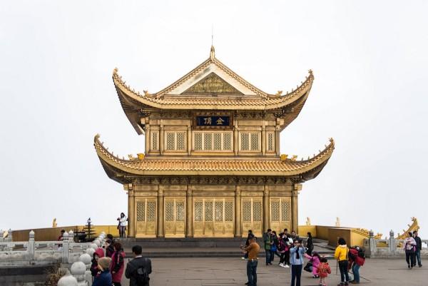 mount-emei-china-buddha-2