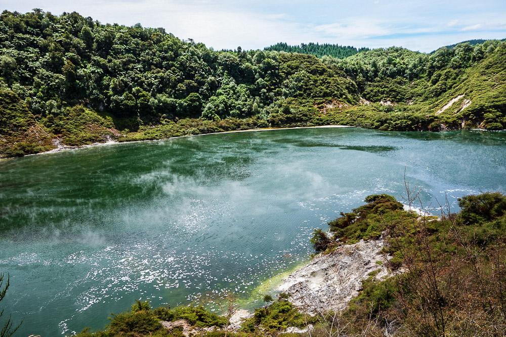 New Zealand, Waimangu