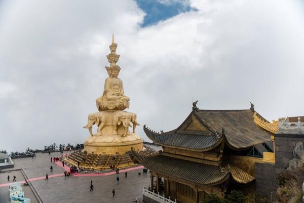 mount-emei-china-buddha-1