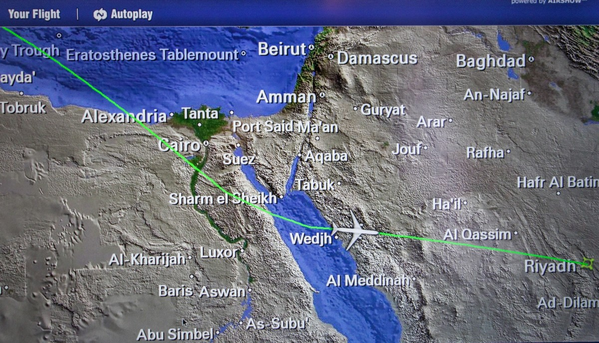 flight-to-saudi-arabia-3