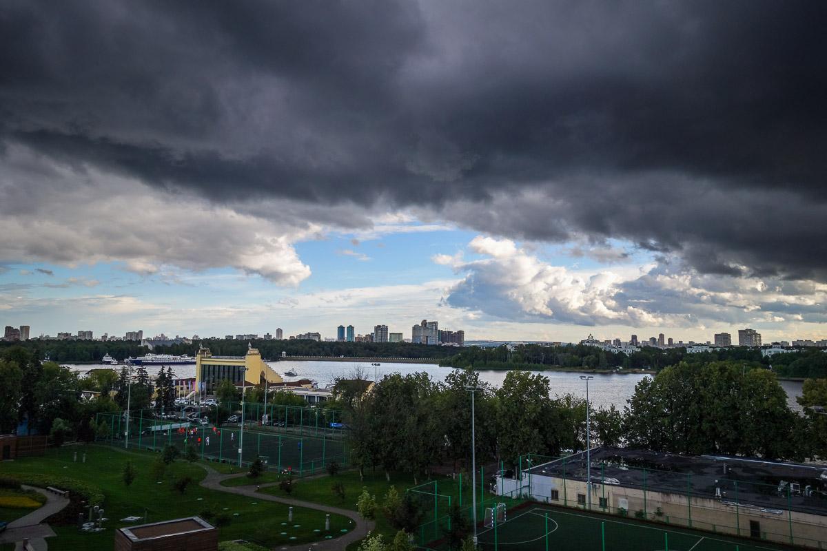 Москва - красивый город! Надо просто выбрать ракурс