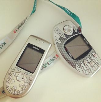 На этих мобилках разбирался первый мобильный вирус