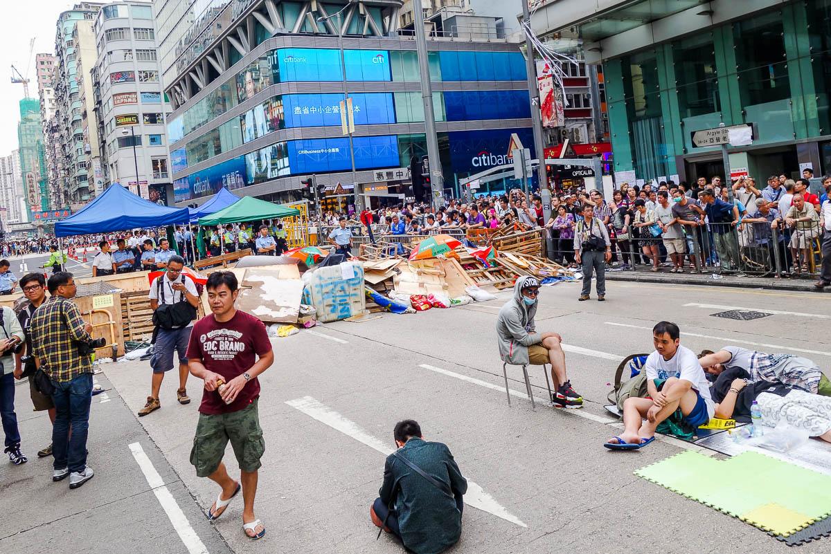 Шоу протестов в Гонконге