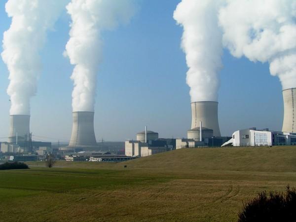 Photo (prise au hasard) de la centrale nucléaire de Cattenom en France. J'espère qu'ici, tout va bien du côté de la cybersécurité.