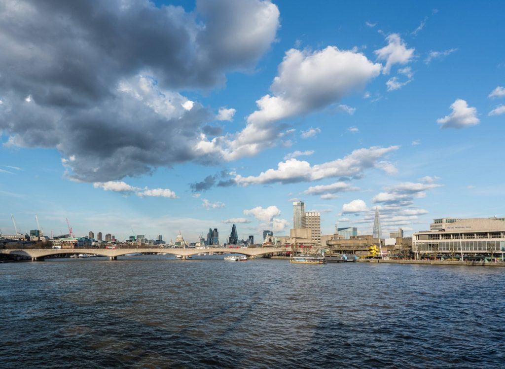 london-uk-thames-path-28