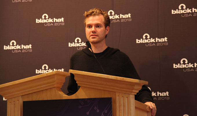 Karsten Nohl Demonstrated His SIM Card Attack
