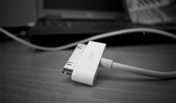 Уязвимость зарядки Apple. Изображение Håkan Dahlström, Flickr.