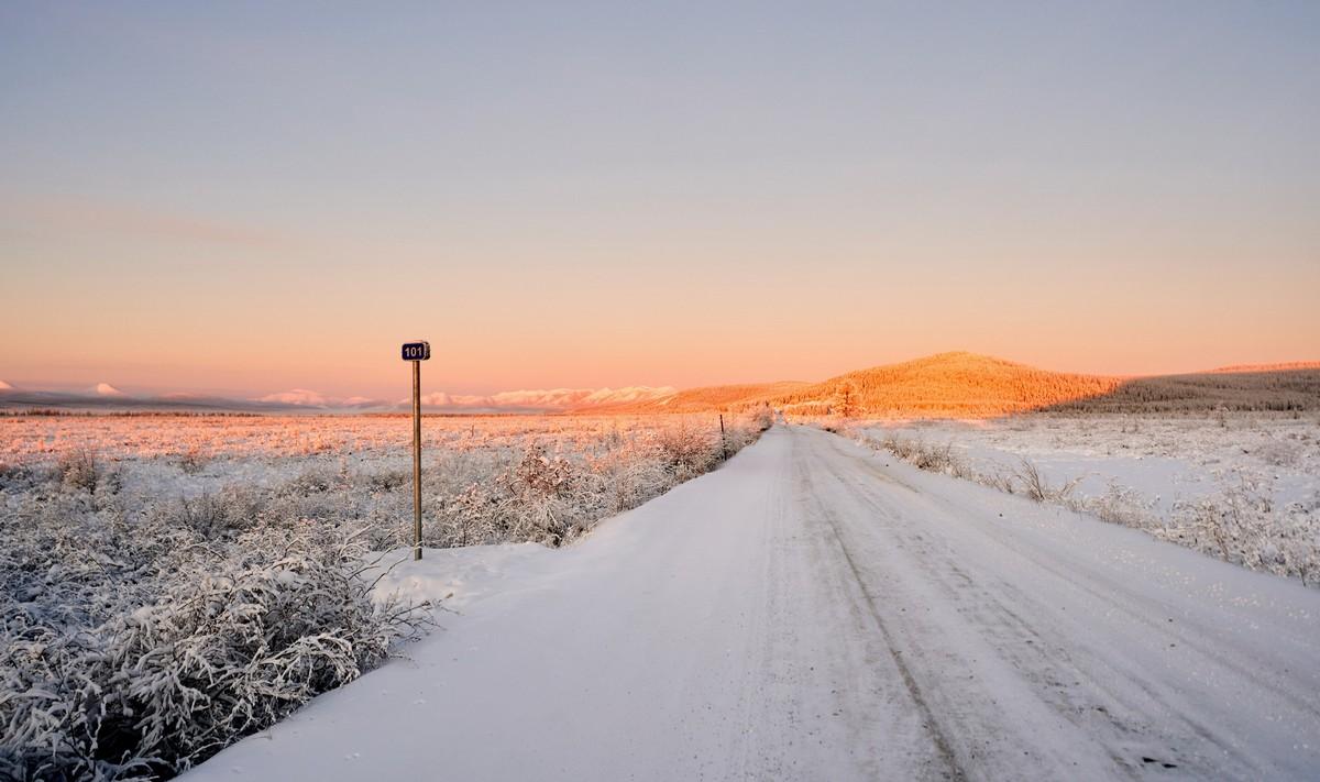 通向奥伊米亚康的冬季之路