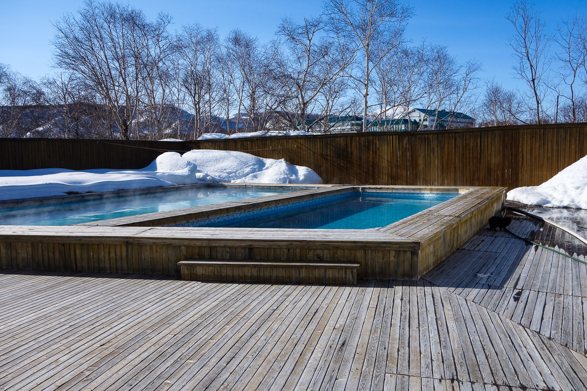 kamchatka-winter-snow-hot-pool