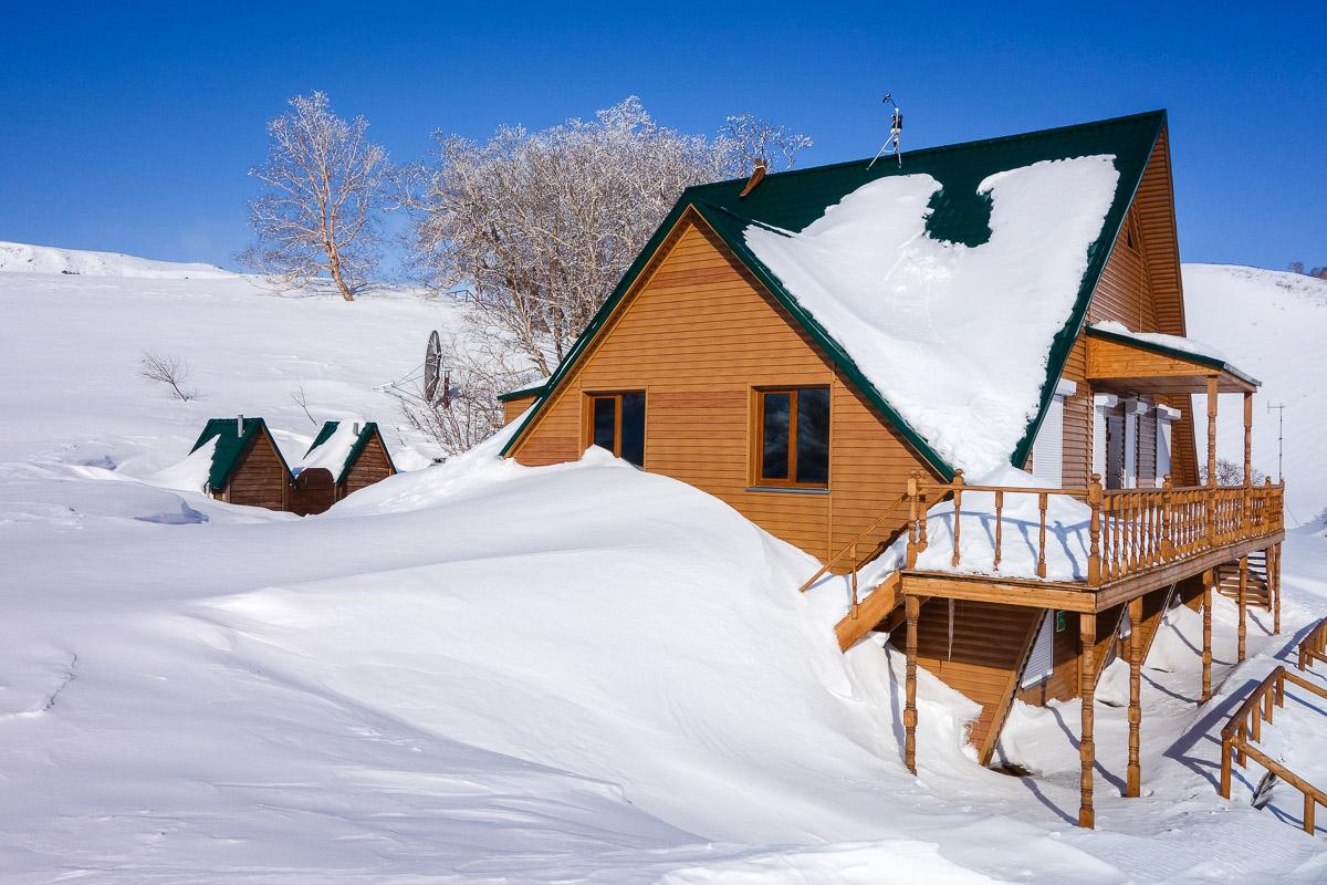kamchatka-snow-winter-house