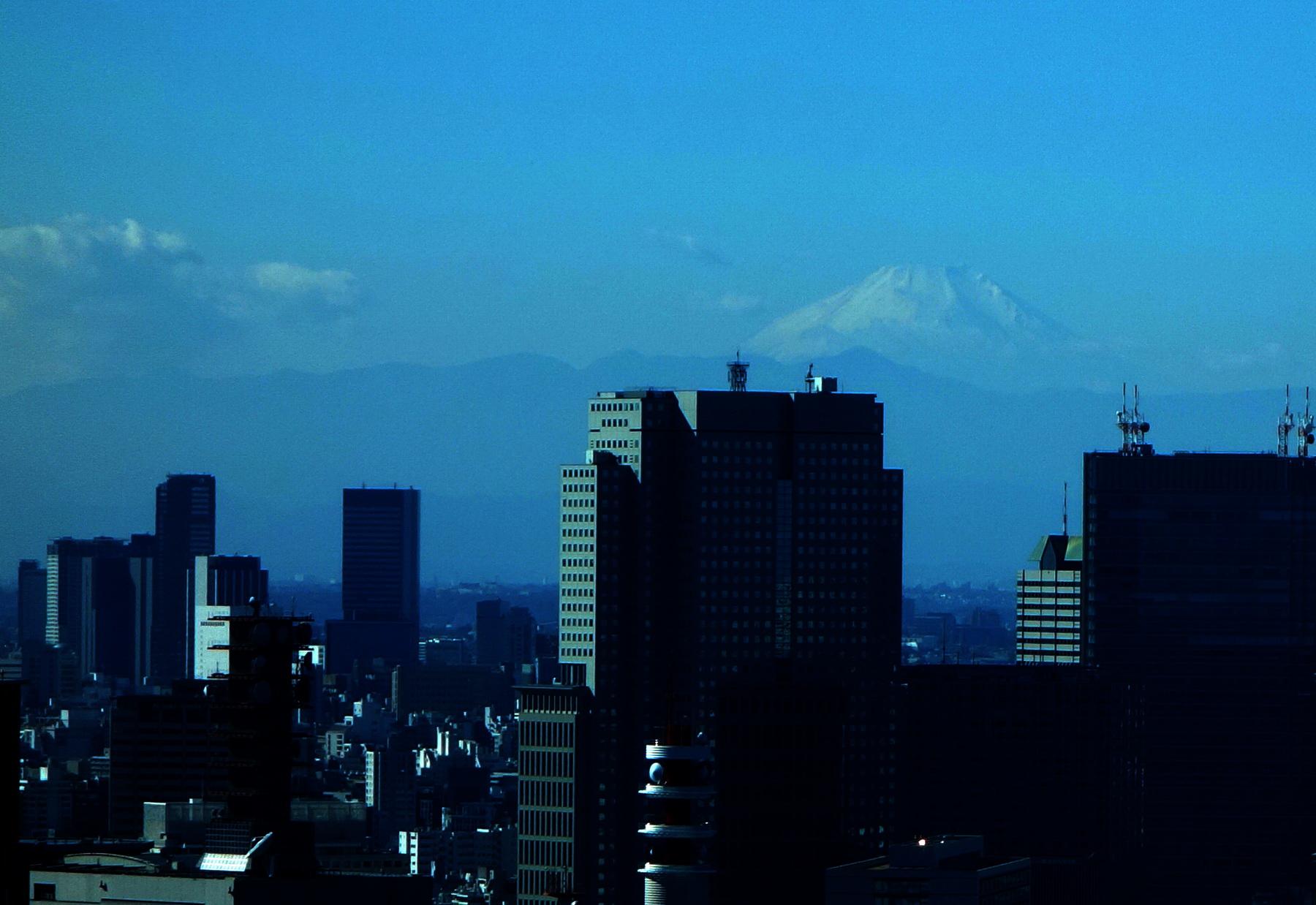 Mt Fuji never sleeps