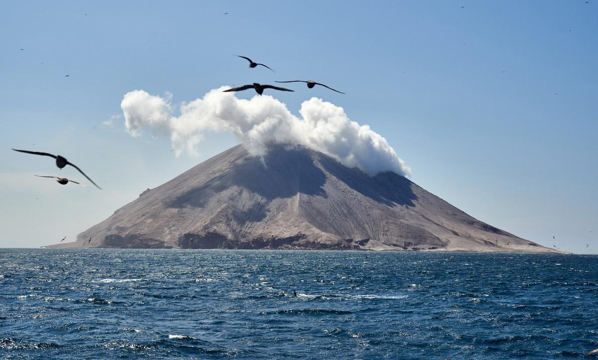 The jiggery-pokery of the volcano called Raikoke.