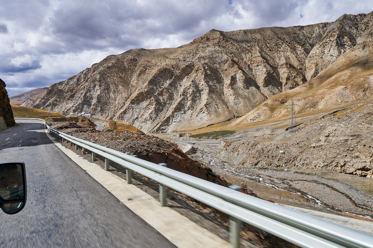 Tibetan autumn: from Lhasa to Shigatse.