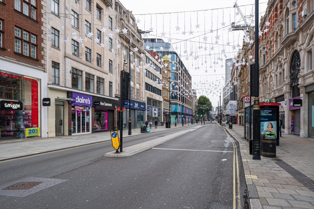 London – from ghost city to ghosts running round it!